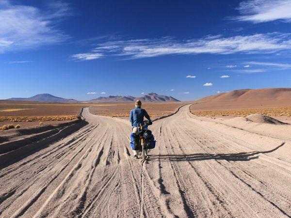 bolivia-bike-landscape-travel-picture_33592_600x4501.jpg